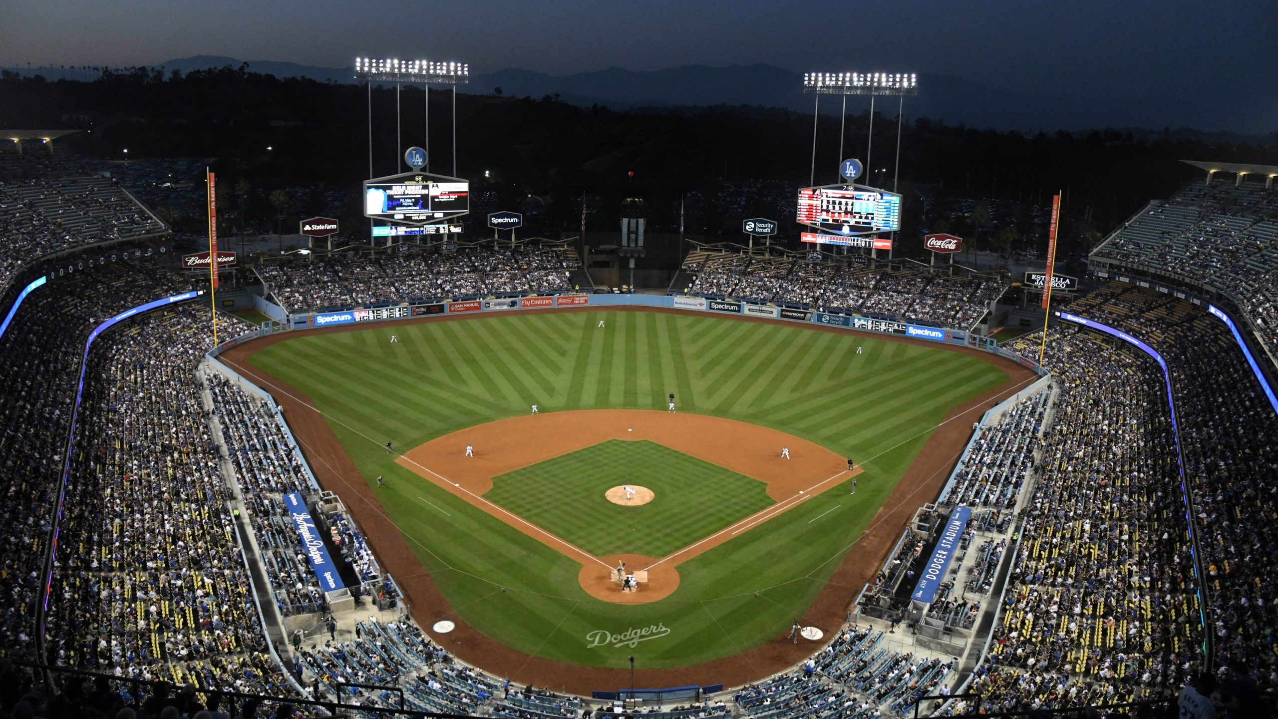 Willie Stargell leaves Dodger Stadium